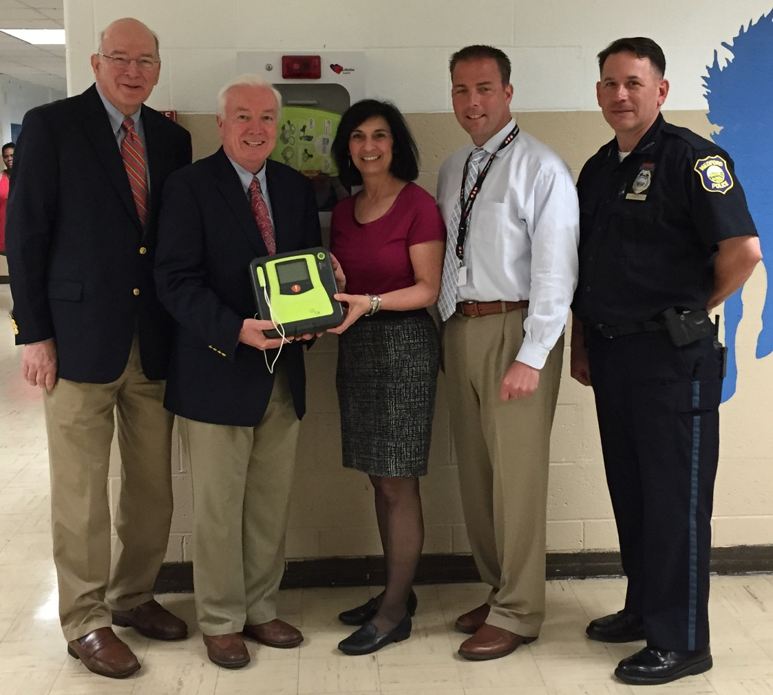 Armstrong Ambulance donates defibrillators to MHS